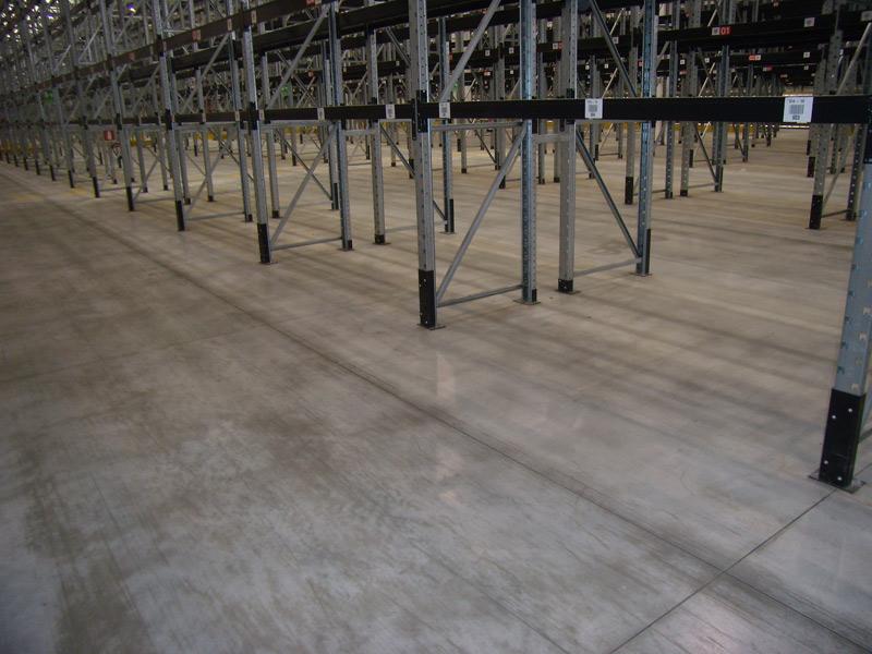 Pavimenti In Cemento Industriale : Pavimenti industriali in calcestruzzo e o rivestimento resina gripav